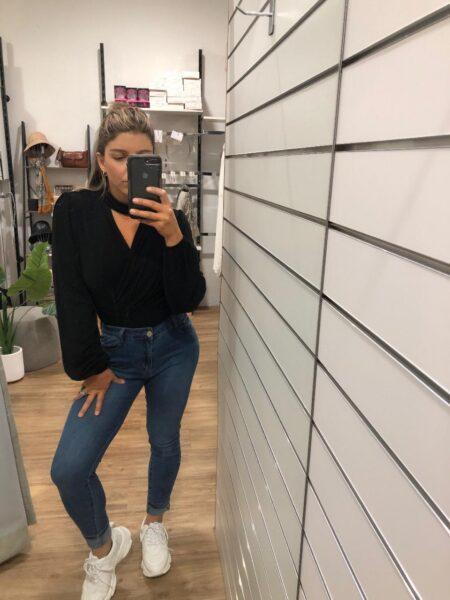 Deneya Jeans